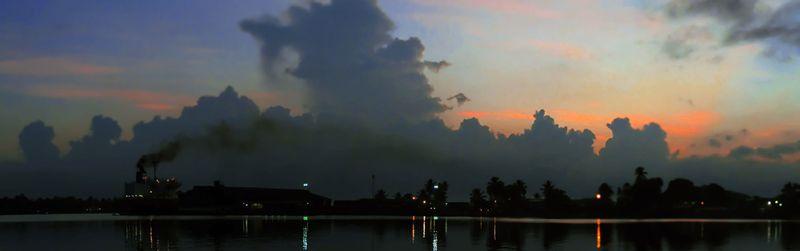 Sunrise_ship_smoke2